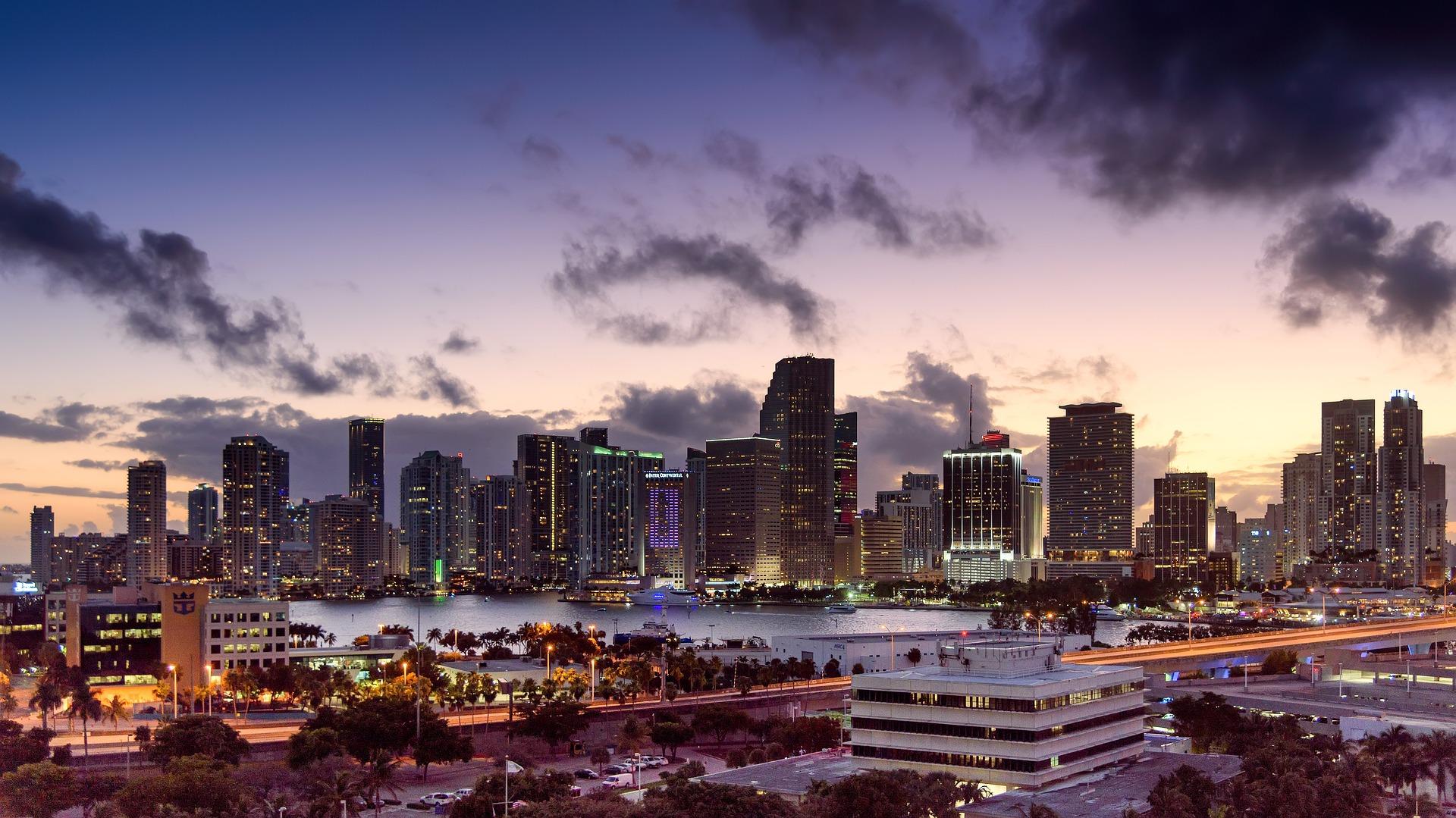 마이애미시 세계 최초 비트코인으로 급여 지급 논의